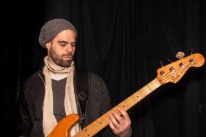 Oliver - Michel - Basse - 4dB - groupe Jazz Rock Progressif