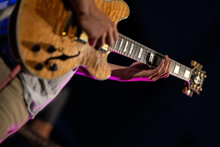 4dB - Jazz Rock Progressif: Damien Boureau, guitariste fusion. Ville en Musique, Troyes