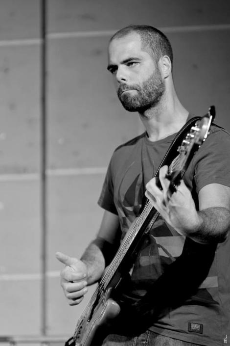 4dB - Jazz Rock Progressif - Olivier Michel - Basse - Ville En Musique